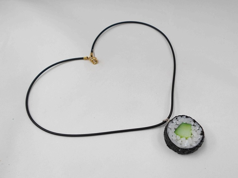 Cucumber Roll Sushi (round) Necklace