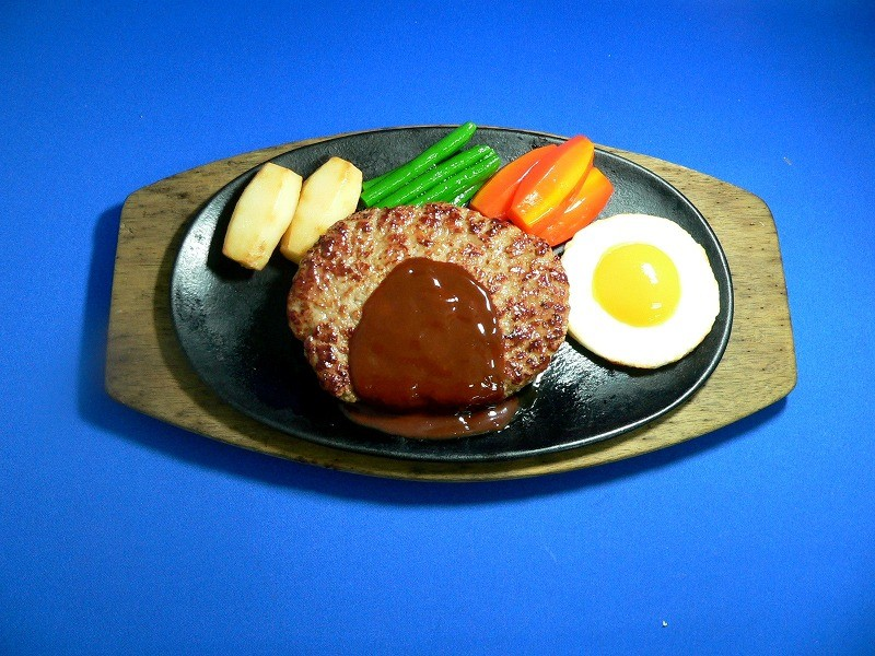 Hamburger Patty in Demi-Glace Sauce Replica