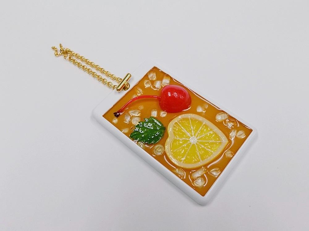 Iced Lemon Tea (Half-Size Small Lemon Slice) Pass Case with Charm Bracelet