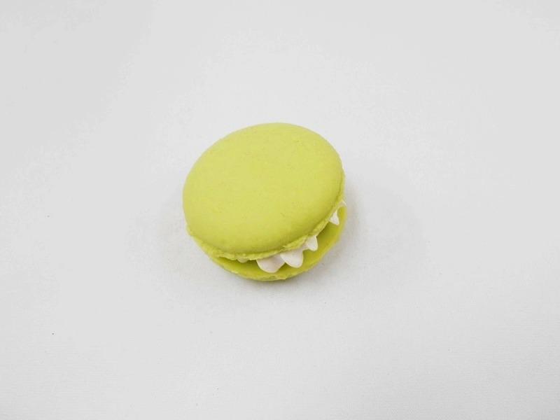 Macaron (green) Magnet