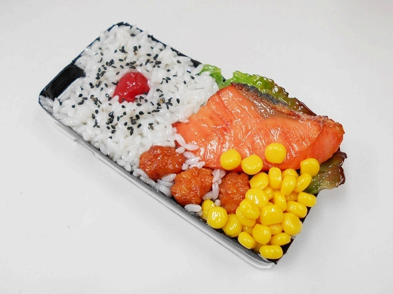Salmon & Kara-age (Boneless Fried Chicken) Bento iPhone 8 Plus Case