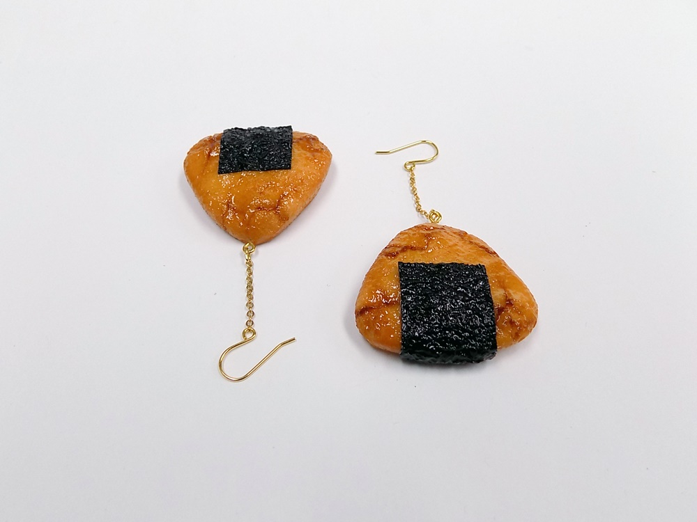 Senbei (Japanese Cracker) with Seaweed (small) Pierced Earrings