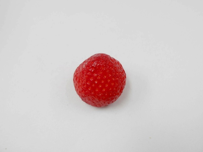 Strawberry (large) Magnet