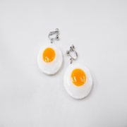 Sunny-Side Up Egg (small) Clip-On Earrings - Fake Food Japan