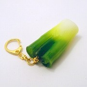White Spring Onion Keychain - Fake Food Japan