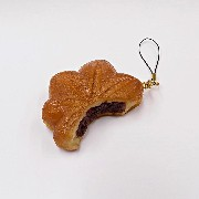 Broken Momiji Manju (Maple Leaf-Shaped Steamed Bun) Cell Phone Charm/Zipper Pull - Fake Food Japan