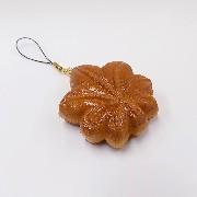 Momiji Manju (Maple Leaf-Shaped Steamed Bun) Cell Phone Charm/Zipper Pull - Fake Food Japan