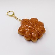 Momiji Manju (Maple Leaf-Shaped Steamed Bun) Keychain - Fake Food Japan