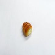 Pastry (Custard Cream-Filled) Magnet - Fake Food Japan
