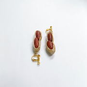 Peanut (Cracked Open) Clip-On Earrings - Fake Food Japan