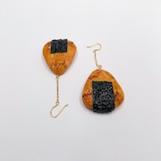 Senbei (Japanese Cracker) with Seaweed (small) Pierced Earrings - Fake Food Japan